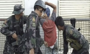 Government troops conduct clearing operations in Zamboanga City