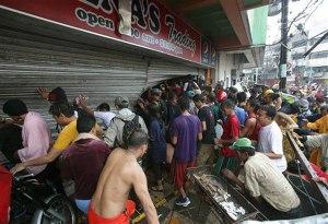 Tacloban 6 looting
